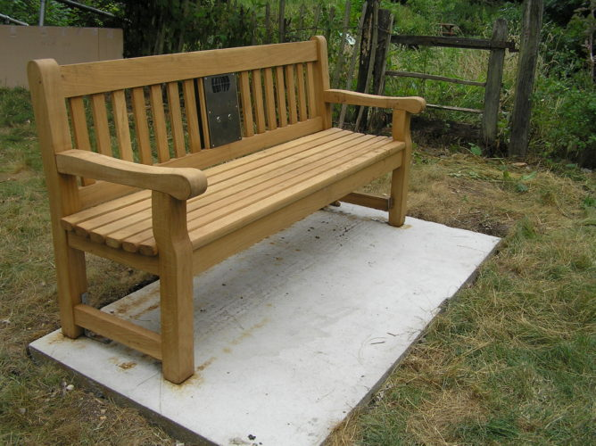 Photograph of bench installed in Kelvedon
