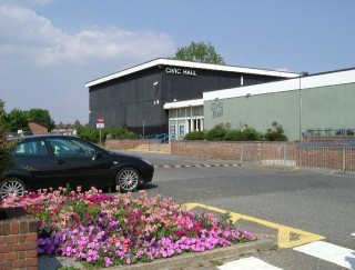 Image of Blackshots Civic Hall in Grays | Glyn Baker, www.geograph.org.uk/photo/39615