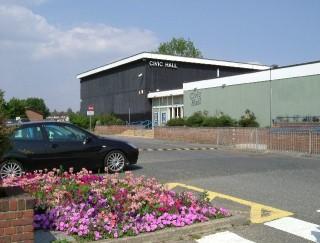 Image of Blackshots Civic Hall in Grays   Glyn Baker, www.geograph.org.uk/photo/39615